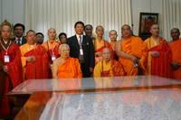 Highlight for album: ผู้นำชาวพุทธโลกจาก ๔๒ ประเทศและเมือง เข้าพบ ท่านเจ้าประคุณสมเด็จพระพุฒาจารย์
